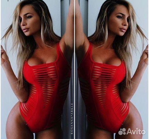 фотографии красных сексуальных купальников