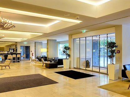 Торговое помещение, 1800 м²